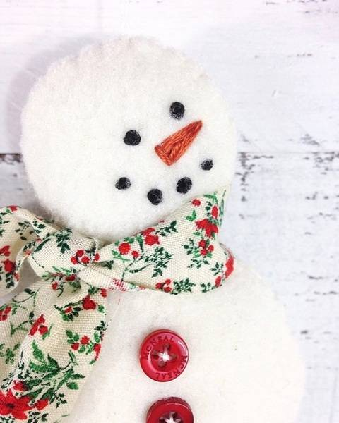 Download Snowman Christmas Ornament - Sewing Pattern immediately at Makerist