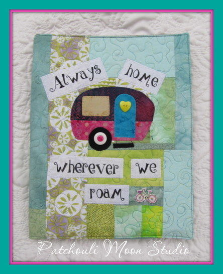 Download Patchwork or Applique Fabric Folder immediately at Makerist