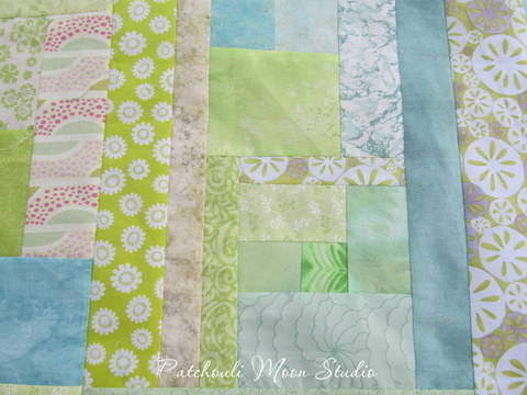 Download Sew a Scrappy Background immediately at Makerist