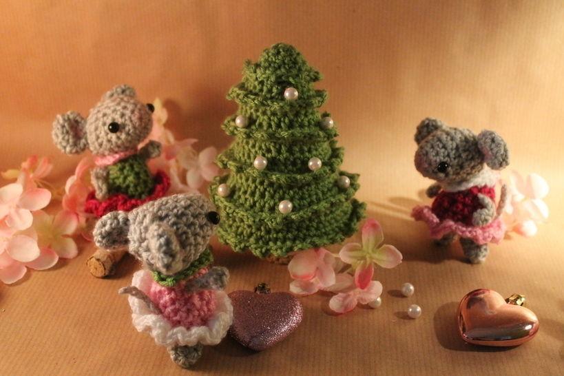 """Häkelanleitung """"Weihnachten bei Familie Maus"""" - Häkelanleitungen bei Makerist sofort runterladen"""