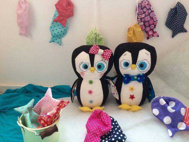 """Kuscheltier """"Pinguin beim Angeln"""" - Nähanleitungen bei Makerist sofort runterladen"""