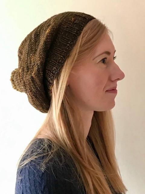 Download Simple Slouch Hat immediately at Makerist