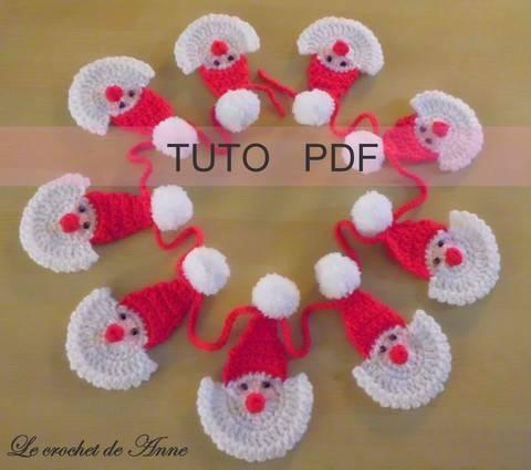 Télécharger PDF CROCHET - Guirlande de Père Noël orné de mini pompons ! tout de suite sur Makerist