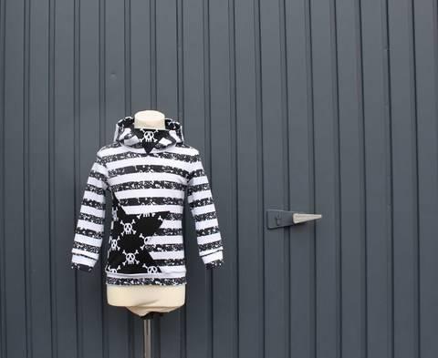 ✂Schnittmuster Mini-Flo ✂ Jungshoodie mit Dreiecks-Kapuze bei Makerist sofort runterladen
