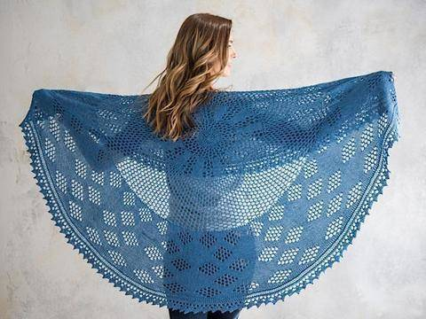 Download Berry Pi Shawl Knitted Pattern - Lacy honeycomb mesh immediately at Makerist