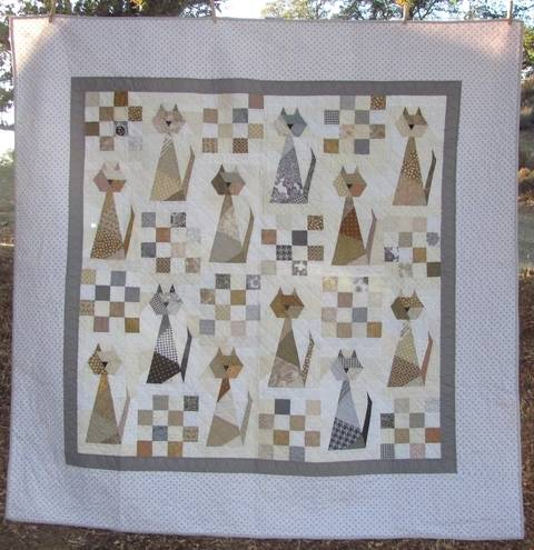 Download Scrappy Cat PDF Quilt Pattern immediately at Makerist