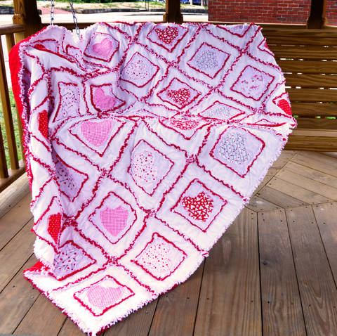 Download Valentine Hearts Rag Quilt Pattern immediately at Makerist