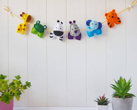 Download Felt Animals Nursery Garland - Sewing Pattern PDF Download immediately at Makerist