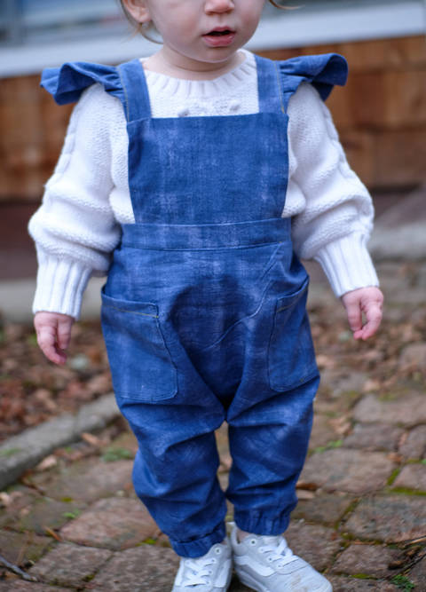 Download Ruffle Strap Overalls / Dungarees immediately at Makerist