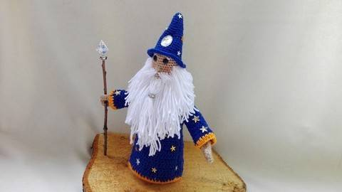 Download Albus- the wizard – crochet pattern immediately at Makerist