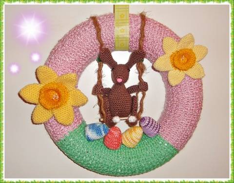 Download Easter Crest with Swinging Bunny – Crochet Pattern immediately at Makerist