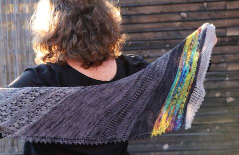 Strickanleitung Zivatar Schal für Gradients bei Makerist sofort runterladen