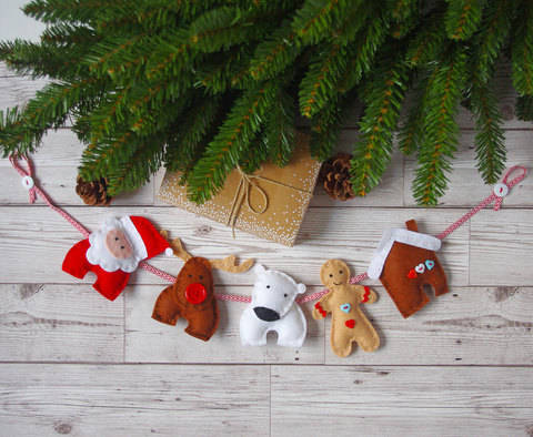 Download Christmas Garland Home Decor Sewing Tutorial PDF Pattern immediately at Makerist