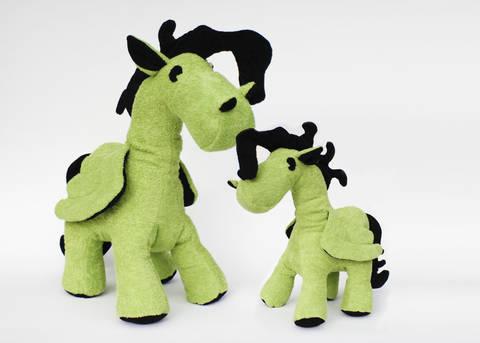 Schnittmuster + Nähanleitung Pegasus (Pony) in zwei Größen bei Makerist sofort runterladen
