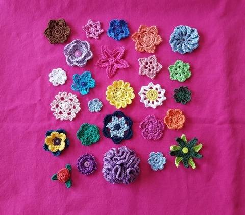 Download Crocheted Flowers immediately at Makerist