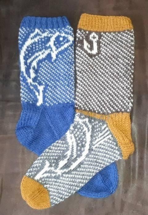 Télécharger Le saumon - 1 modèle de chaussette en tricot - 2 versions tout de suite sur Makerist