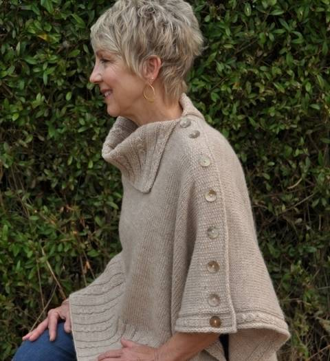 Download Miriam Carole Poncho immediately at Makerist