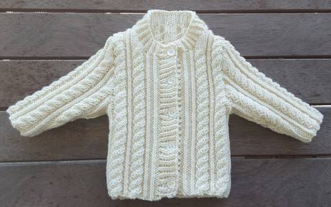 Download Babies 8ply cable cardigan knitting pattern - Junior immediately at Makerist