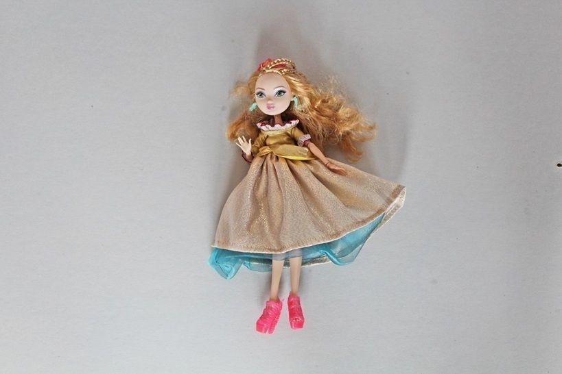 Nähanleitung Puppenkleid BARBIE für Modepuppen mehrteilig, variierbar - Nähanleitungen bei Makerist sofort runterladen