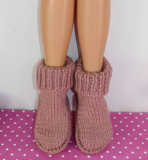 Download Simple Super Chunky Slippers immediately at Makerist