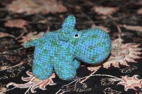 Häkelanleitung Gertrud, das Hippo bei Makerist sofort runterladen