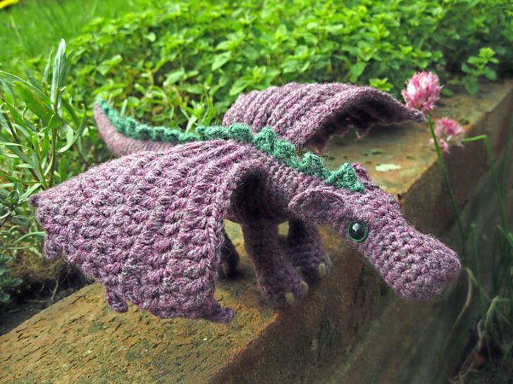 Télécharger Peluche petit dragon - crochet - Modèles de crochet tout de suite sur Makerist
