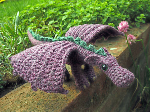 Peluche petit dragon - crochet chez Makerist