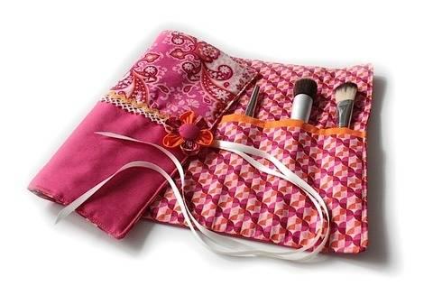 Nähanleitung mit Schnittmuster 'Kosmetiktrolle Zoé'  bei Makerist sofort runterladen