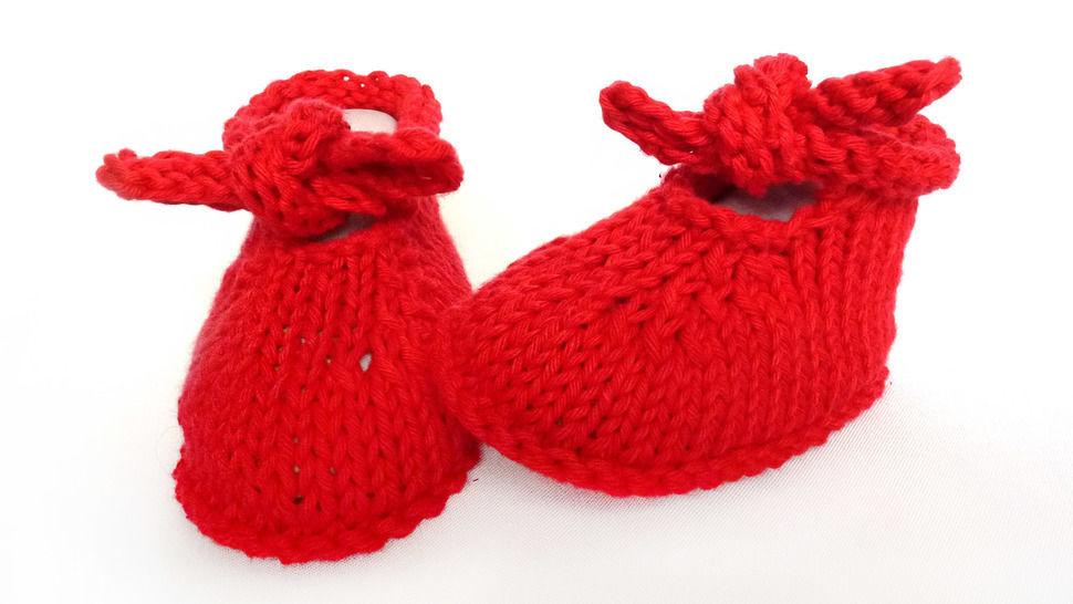 Télécharger Griottes - Chaussons bébé en coton rouge T 3 mois - tricot - Modèles de tricot tout de suite sur Makerist