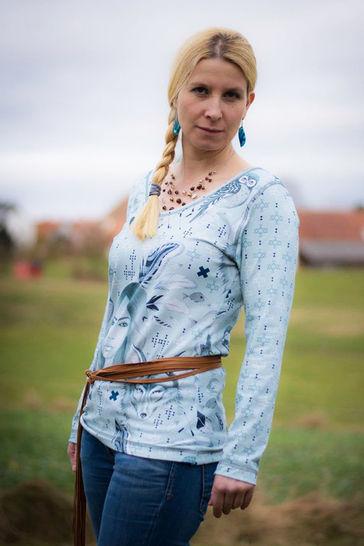 Effektvolles Shirt Ruby für Damen Nähanleitung und Schnittmuster - Nähanleitungen bei Makerist sofort runterladen