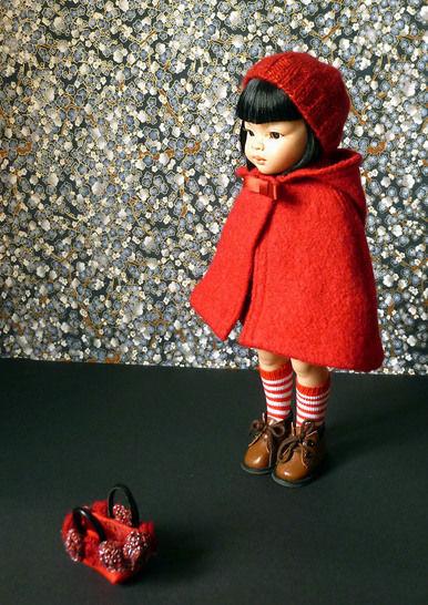 Télécharger Habits Poupée 32cm - Le petit chaperon rouge - 6 pièces - couture et tricot - Patrons de couture tout de suite sur Makerist