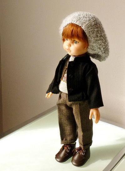Télécharger Habits Poupée 32cm - Petite veste noire - 4 pièces - couture et tricot - Patrons de couture tout de suite sur Makerist