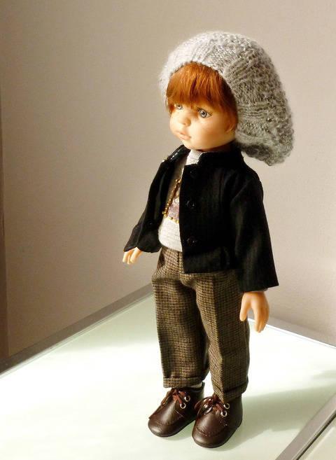 Télécharger Habits Poupée 32cm - Petite veste noire - 4 pièces - couture et tricot tout de suite sur Makerist