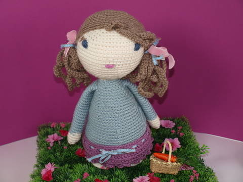 Download Crochet Doll Tutorial - Lucy immediately at Makerist