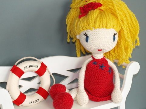 Download Crochet Doll Tutorial - Linda - Crochet Patterns immediately at Makerist