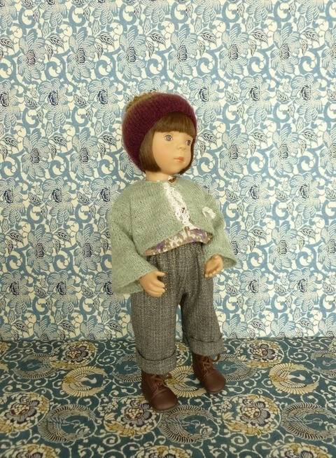 Télécharger Habits poupée 34 cm - P'tite Môme - 4 pièces - couture et tricot tout de suite sur Makerist