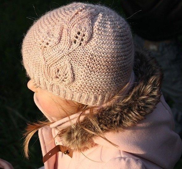 Télécharger A Leaf Falls - Bonnet  et col enfants et adultes - Tricot - Modèles de tricot tout de suite sur Makerist
