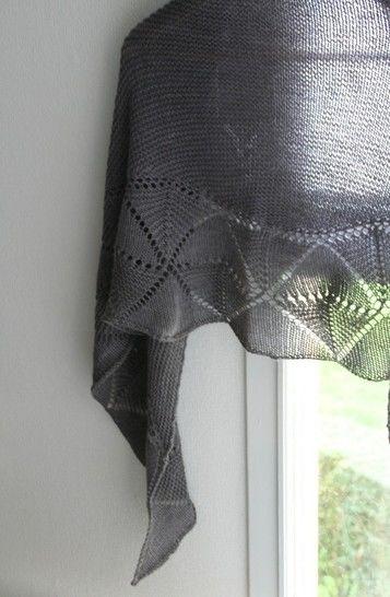 Télécharger Swinging Triangle - Châle - tricot - Modèles de tricot tout de suite sur Makerist