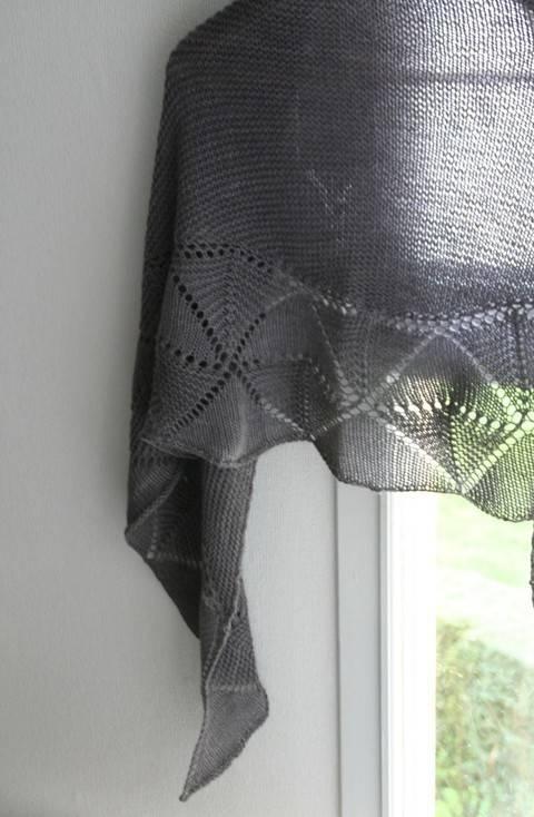 Télécharger Swinging Triangle - Châle - tricot tout de suite sur Makerist