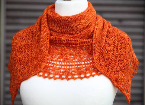 Download Le Bal des Papillons Shawl - Knitting  immediately at Makerist