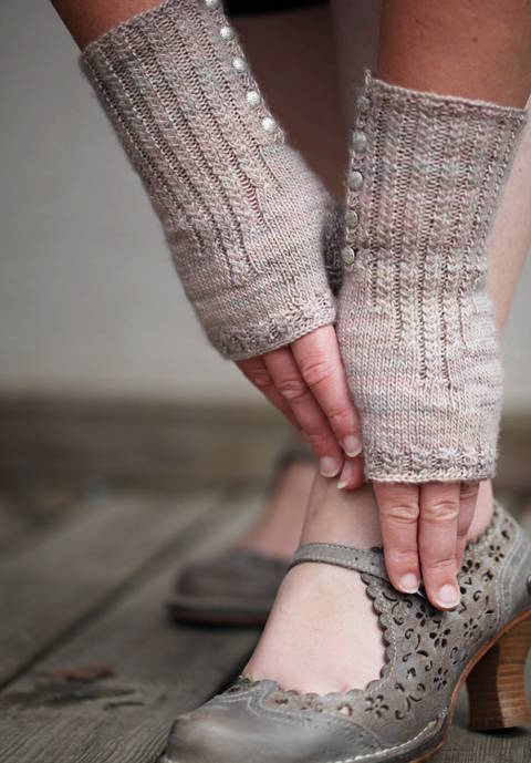 Download Pride and Prejudice Mittens - Knitting immediately at Makerist