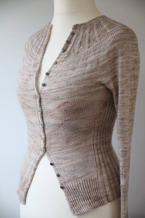 Download Pride and Prejudice Cardigan - Knitting immediately at Makerist