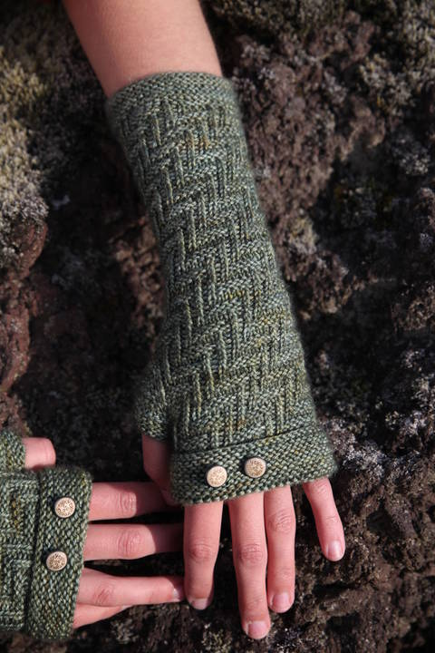 Download Skogar Mittens - Knitting  immediately at Makerist