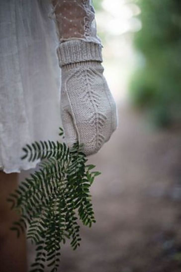 Download Treehouse Mitts - Knitting  - Knitting Patterns immediately at Makerist