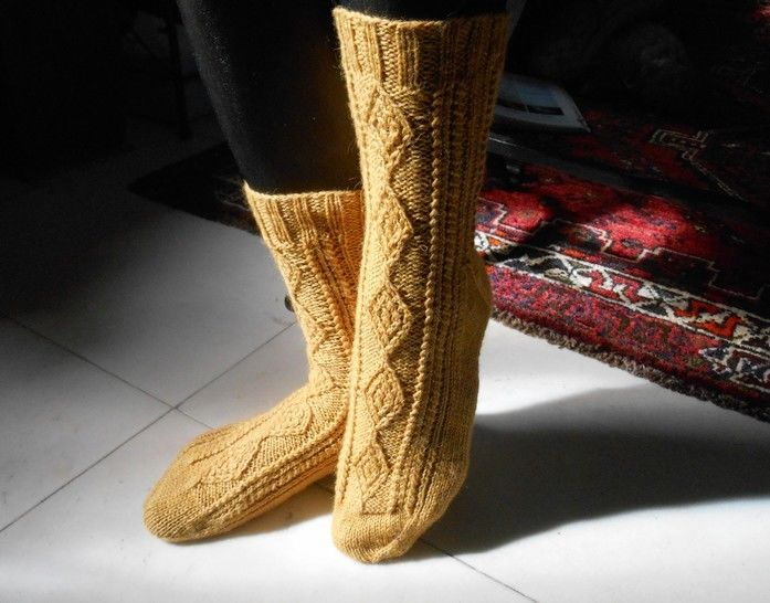 Download Verdon Socks - Knitting - Knitting Patterns immediately at Makerist