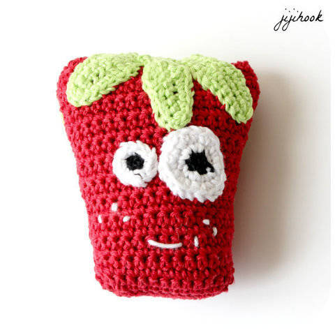 Download Strawberry - Crochet immediately at Makerist