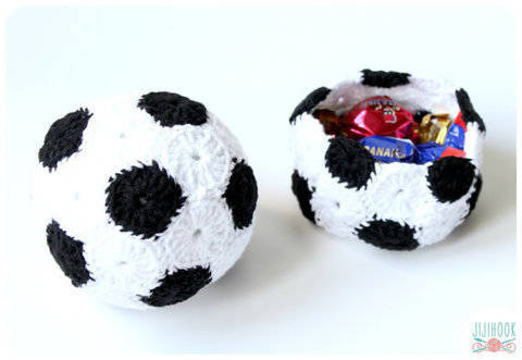 Download Soccer Ball & Basket - Crochet immediately at Makerist