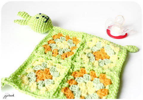 Download Rabbit Blanket - Crochet immediately at Makerist