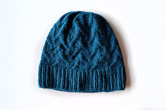 Download Happy K hat - Knitting Patterns immediately at Makerist