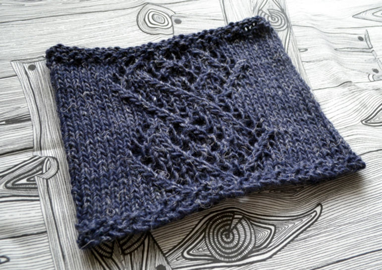 Download Linked winter cowl - Knitting Patterns immediately at Makerist